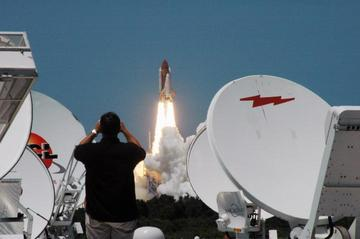 Discovery launch. Image credit: NASA